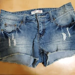 Jean distressed booty shorts